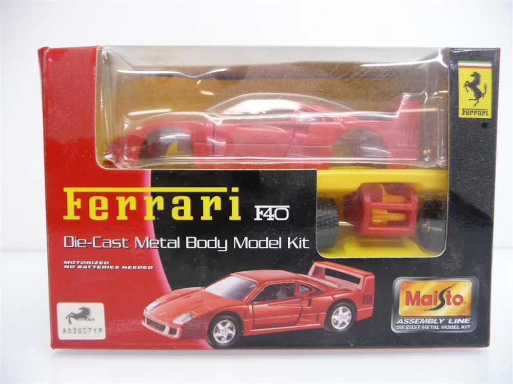 Ferrari F40 Rot Die Cast Metal Body Model Kit Mini Bausatz Neuware Kupsch Germany