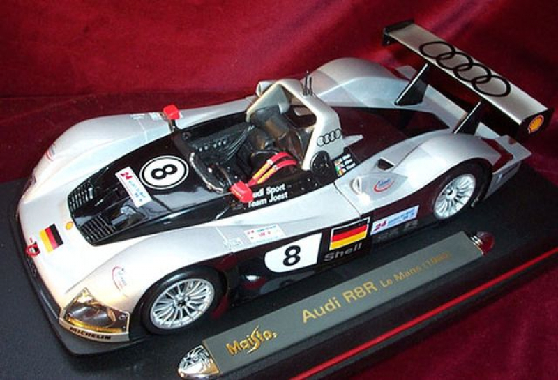38881 Audi R8R Le Mans 1999 # 8 OVP 1:18