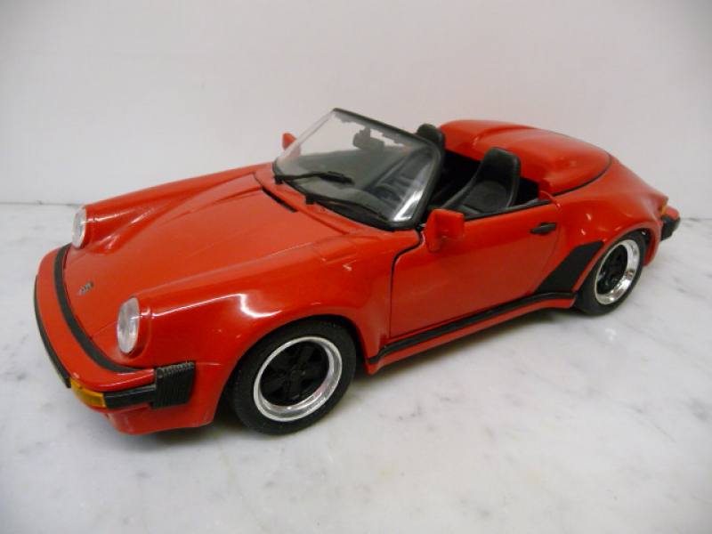 Porsche 911 Carrera Speedster 1989 rot  Maisto 1:18