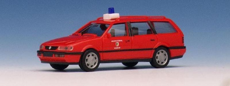 042321 VW Passat Variant Feuerwehr Regensburg Herpa H0
