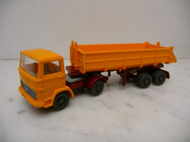 0677 8 MB 1317 Kipper-SZ 1978 orangegelb Wiking 1:87