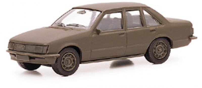 700054 Opel Rekord E2 1 Bundeswehr Herpa