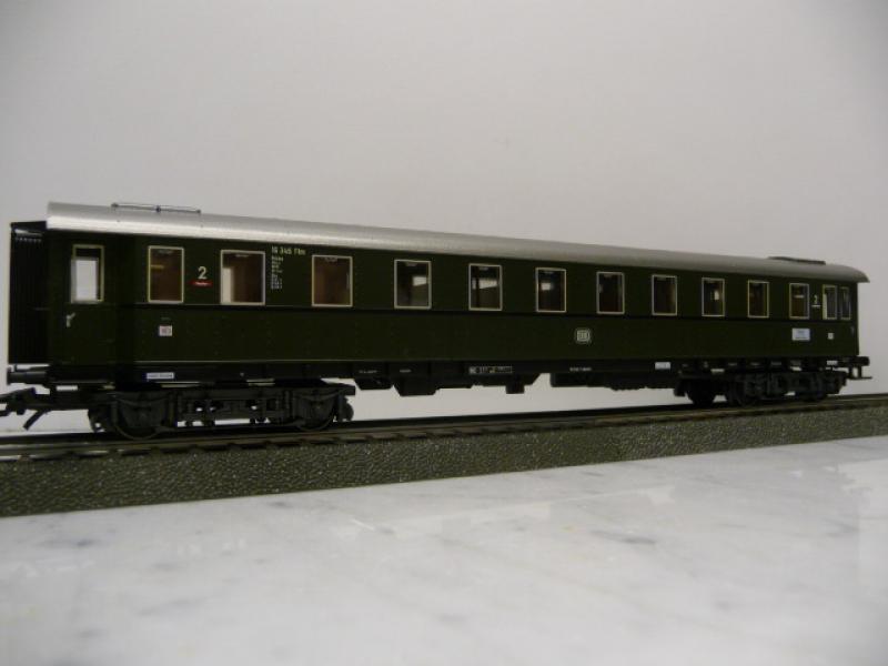 42942A Schnellzugwagen 2.Klasse aus Rivera Express Set - Märklin H0