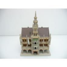 Münchener Rathaus mit Spitzturm und Fahnen - Spur N