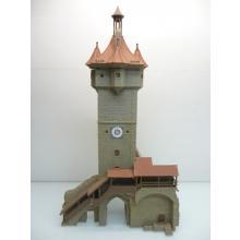 Großes massives Stadttor aus 3 Elementen mit Glockenturm