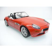BMW Z8 in rot Cabrio - Maisto 1:18