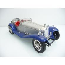 Alfa Romeo 2300 Spider 1932 in silber / blau - Bburago 1:18