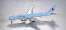 506458 Korean Air Boeing 777-200