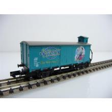 Arnold N 0050-007 Gedeckter Güterwagen mit Brhs 2-achsig türkis 4711