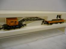 8657 Kranwagen der DB gelb mit Niederbordwagen