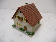 208 Einfamilienhaus aus Holz und Plastik