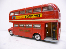 468 Bus London Transport Routemaster Corgi Toys 1:43