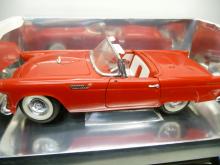 8803 Ford Thunderbird 1955 rot 1:18 Revell