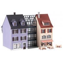 Kleinstadthäuserzeile Faller H0 130707