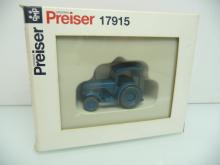 17915 Hanomag R 55 Traktor blau Preiser H0