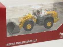 700245 Opel Omega Caravan Grenzschutzdienst Herpa