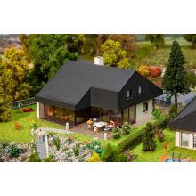 Architektenhaus mit Plattenda Faller H0 130643
