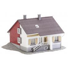 131501 Wohnhaus mit Terrasse - Faller H0