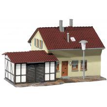 131503 Siedlerhaus mit Anbau - Faller H0