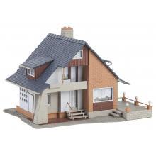 131504 Wohnhaus mit Balkon - Faller H0