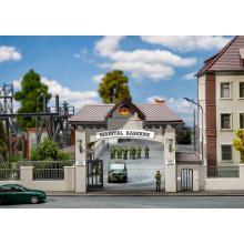 144100 Kasernen-Haupteingang - Faller H0